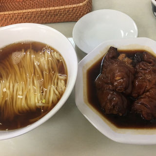 豚脚麺(とんそくそば)(徳記)