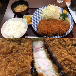 特上ロースカツ定食(とんかつ 鉄 (とんかつ kurogane))