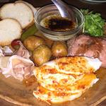 肉の盛り合わせ(モンスーンカフェ たまプラーザ店)
