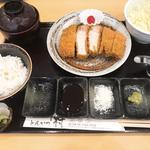 特上ロースかつ定食(150g)