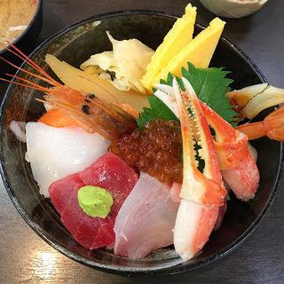 おまかせ丼(まるきた 1号店 )