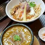 スパイシーカレードロつけ麺