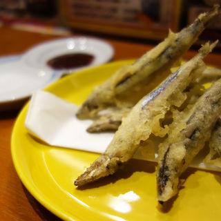 きびなごの天ぷら 梅肉ソース(もちのきそう)