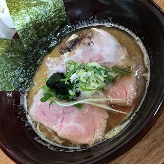 濃厚牛テールラーメン 牛テール肉乗せて 細麺(牛テールラーメン たけめん)