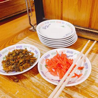 紅しょうがと辛子高菜(無料)(火の国 文龍 菊陽バイパス店 (ひのくに ぶんりゅう))