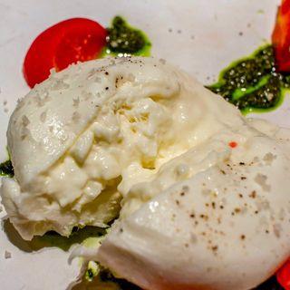 ブラータチーズと糖度8%のフルティカトマト(BISTRO TORICOYA)
