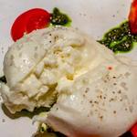 ブラータチーズと糖度8%のフルティカトマト