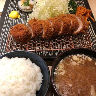 特選ヒレカツ定食(とん久 (とんきゅう))
