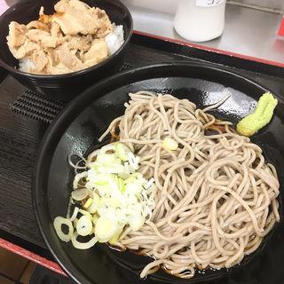 ミニ豚丼セット(大江戸そば 上野店 )