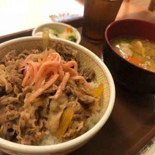牛丼豚汁おしんこセット(すき家 20号日野万願寺店 )
