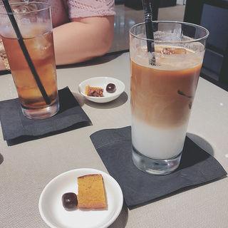 アイスカフェラテ(エンポリオ アルマーニ カフェ (EMPORIO ARMANI CAFFE))