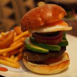 ハンバーガー(アボカド、エッグ)