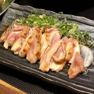 紀州赤鶏ももタタキ(とりとうどんと元気な酒 はっぷう 堺店 )