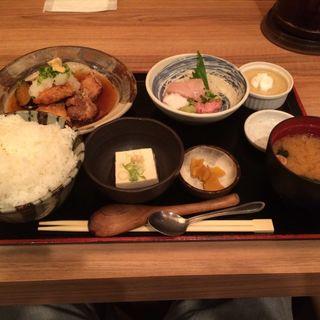 魚義丼(初代築地 魚義 )
