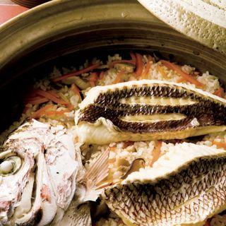 お食事 土鍋炊き鯛飯(写真は4人前)