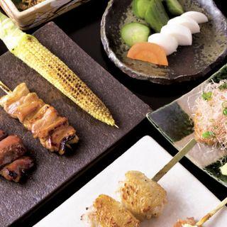 みすじコースの一例(前菜3種、濃厚鶏スープ、自家製厚揚げ、串焼き6本)(鳳 )