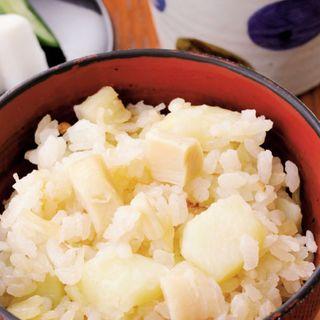 新じゃがとホタテの炊き込みご飯(食楽 太太太 (ショクラク タタタ))