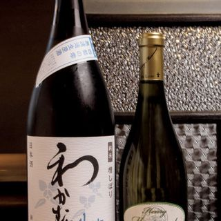 (左)わかむすめ純米無濾過生原酒、(右)トゥーレーヌ•ソーヴィニヨンヴィエイユ•ヴィーニュ
