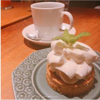 マスカルポーネとバナナのタルト(Cafe Bibliotic Hello!)