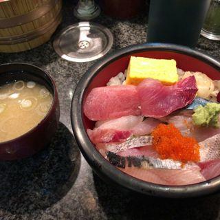 海鮮丼(回転寿司 魚浜)