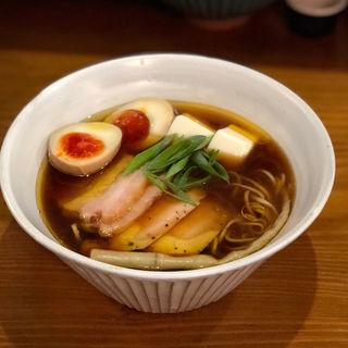 特製醤油ラーメン(いかれたNOODLE fishtons )