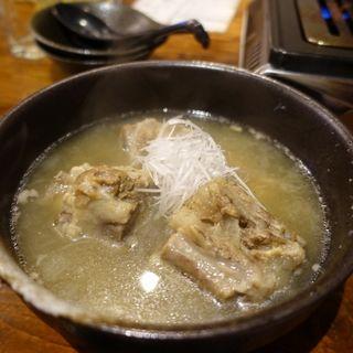 牛テールスープ(もつ屋)