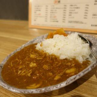 ピリ辛チキンミニカレー(炭火串焼 よね)