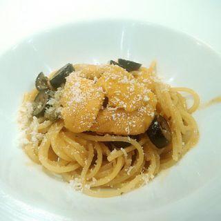 北海道生うにとオリーブの焦がしバターソーススパゲティー(カロローゾ (caloroso))