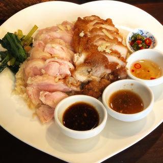 カオマンガイ(蒸し鶏&揚げ鶏)(万国屋)