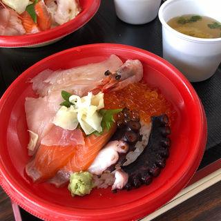 海鮮丼(山内鮮魚店 )