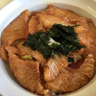 カマトロ丼(まるよし食堂)
