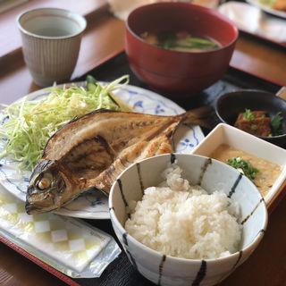 アジの一夜干し定食(昭和水産トロール市 )