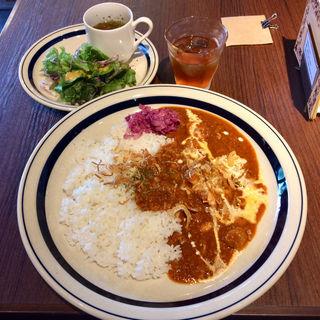 トマトでじっくり煮込んだチキンカレー(歌舞伎町ブックセンター)