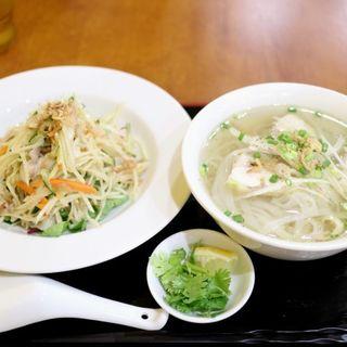 パパイヤサラダ&ハーフフォーのセット(アジアンキッチン)