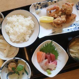 刺身盛と塩糀唐揚定食(七勺日本酒・醸し肴 SEVEN)