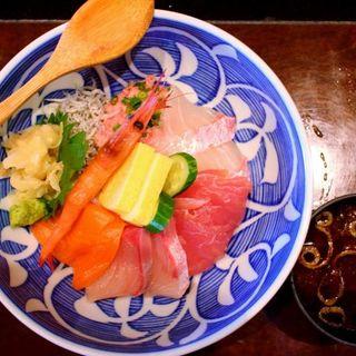 海鮮丼(魚太郎・蔵のまちCafe)