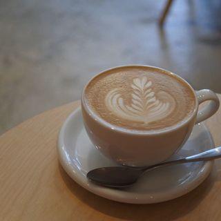 カフェラテ(タオカコーヒー OKAMOTO KOBE)