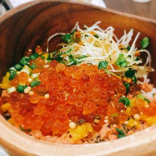 鮭とイクラの北海ご飯(こめらく 越谷レイクタウン店 )