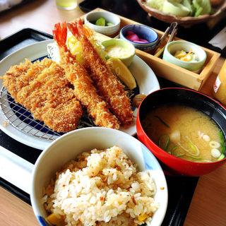 赤城豚ロースかつと海老フライ定食(とんかつ とんQ 守谷ふれあい店 (とんきゅう))