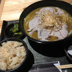 冷しゃぶ辛ネギカレーうどん+炊き込みご飯(千 (せん))