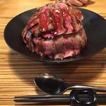 国産牛ステーキ丼定食 肉ダブル(佰食屋)