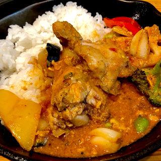 骨付きチキンと彩り野菜の南インド風カレー(キャンプエクスプレス 品川店 (camp express))