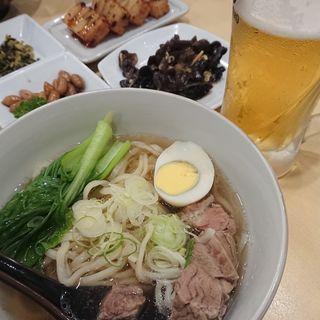 牛肉麺 薬膳塩(三商巧福 赤坂店 (サンショウコウフク))