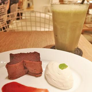 生チョコ風チョコレートケーキ(ウカフェ (ukafe))