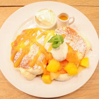 【数量限定】トロピカルマンゴーパンケーキ・マスカルポーネクリーム添え(スコッチ バンク 渋谷 (Scotch Bank Shibuya))