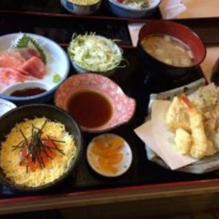 三色丼(うにいくらホタテ)