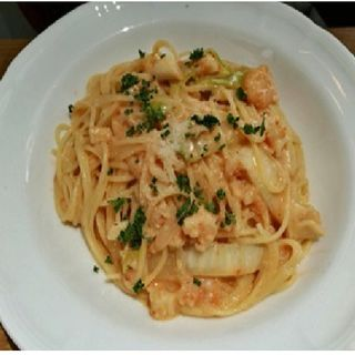 魚介類と霜降り白菜のトマトクリームソース(イタリア料理 小西屋)