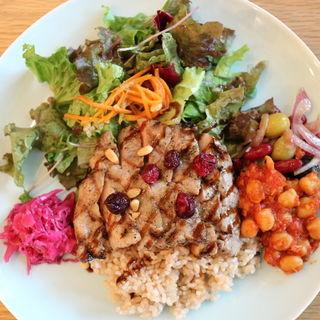 グリルポーク ベリー&バルサミコソース (玄米ごはん)(ジンナンカフェ)