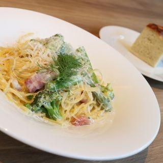 緑野菜とパンチェッタのサワークリームスパゲティ(PUBLIC HOUSE 武蔵小杉店)