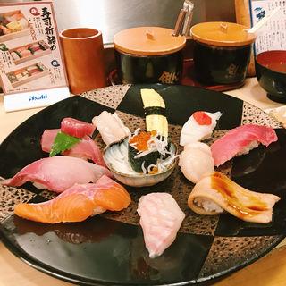 ◆ぶっち切り上にぎり定食(魚心本店)